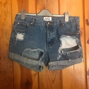 One by one teaspoon shorts